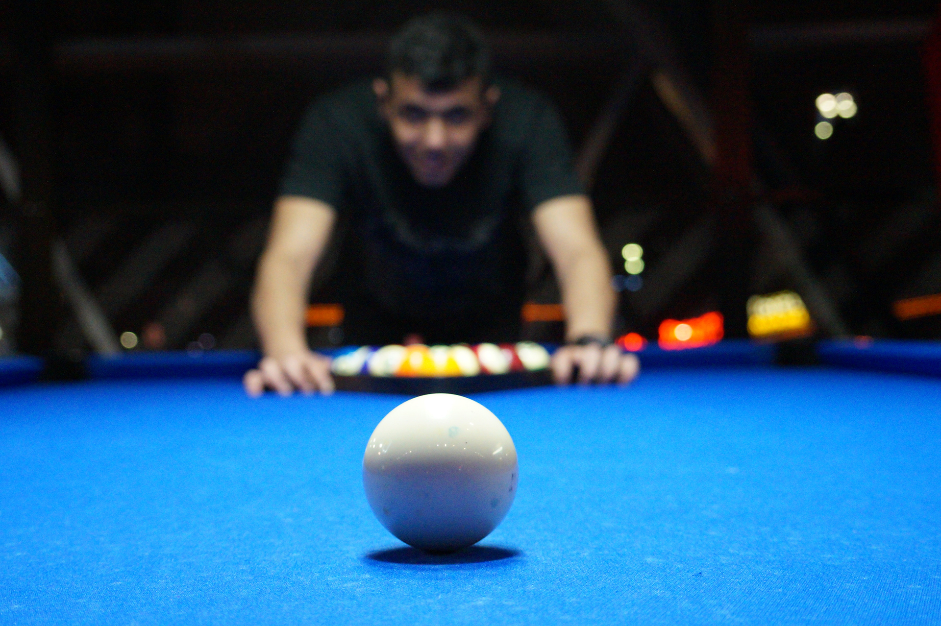 billiards-game-person-16074